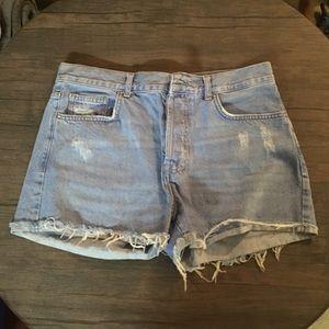 Cute high-waisted jean shorts